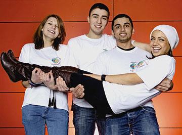 Vier Jugendliche vom Jugendrotkreuz